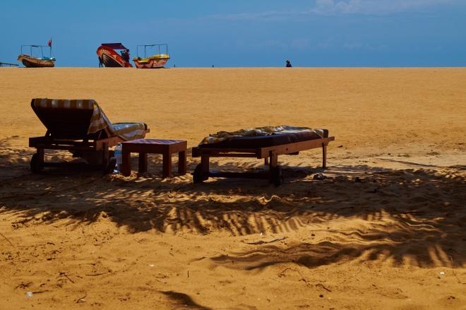 Sonnenliege; Strand; Sri Lanka; Asien; Sandstrand